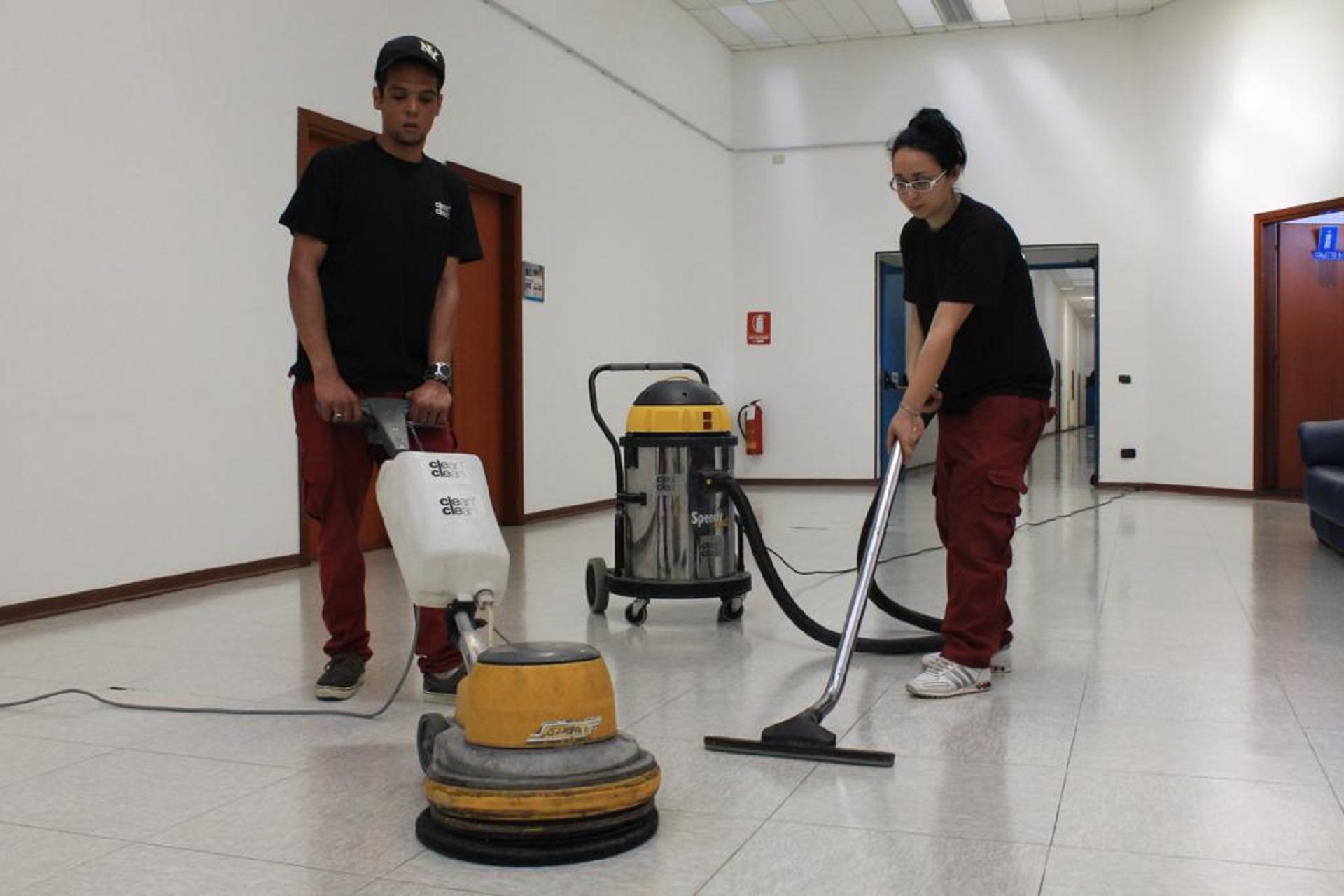 Clean&Clean - Impresa di Pulizie a Genova - Pulizie Civili e Pulizie Industriali